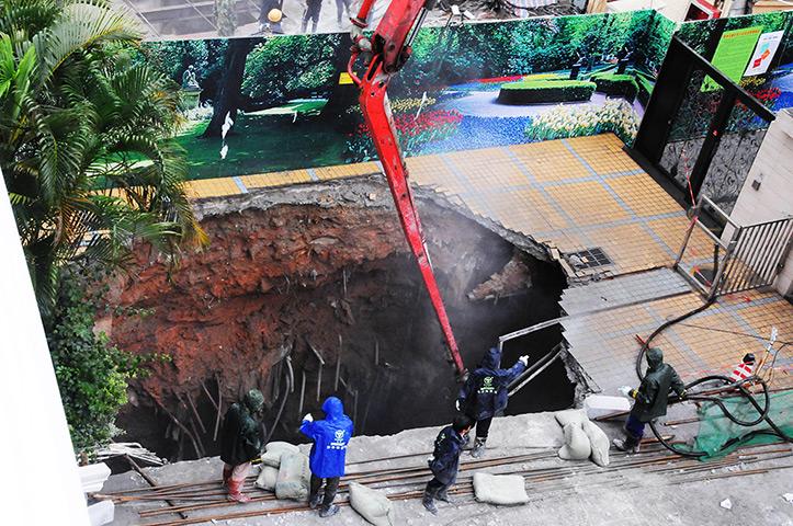 Sinkhole Shenzhen, China, 2013